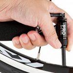 Noir Gonfleur CO2par Pro Vélo Outil–Édition limitée–rapide et facile, Presta et valve Schrader Compatible, pompe de pneu de vélo pour route et VTT, isolé manches, cartouches de CO2non inclus de la marque image 4 produit