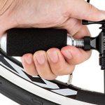 Noir Gonfleur CO2par Pro Vélo Outil–Édition limitée–rapide et facile, Presta et valve Schrader Compatible, pompe de pneu de vélo pour route et VTT, isolé manches, cartouches de CO2non inclus de la marque image 5 produit
